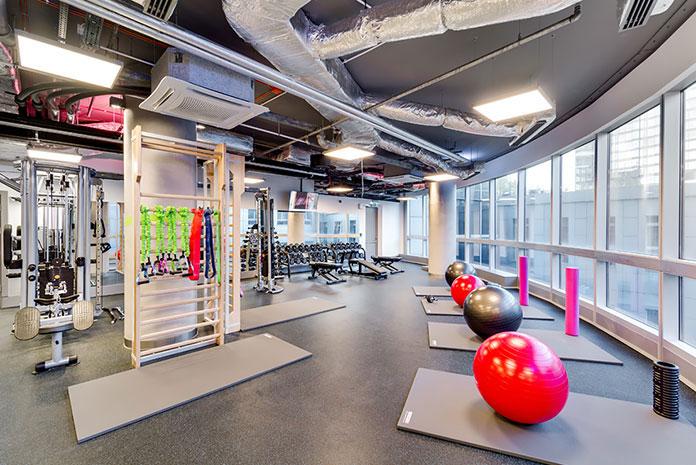 Trening i ćwiczenia na siłowni