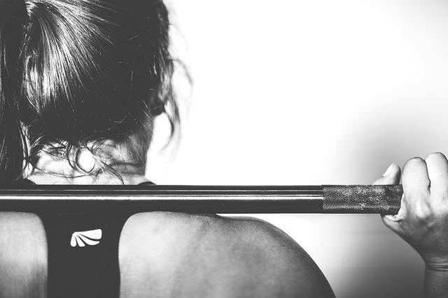 Jak wybrać rękawiczki do ćwiczeń na siłowni?
