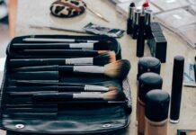 Jak prawidłowo wykonać makijaż